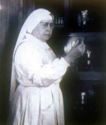 Soeur Marie-Suzanne (Alice Novial), MOF 1949