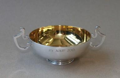 Coupe de mariage en métal argenté - Collection particulière.
