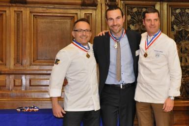 Les lauréats MOF fromagerie avec Christian Janier, président de la classe fromagerie.