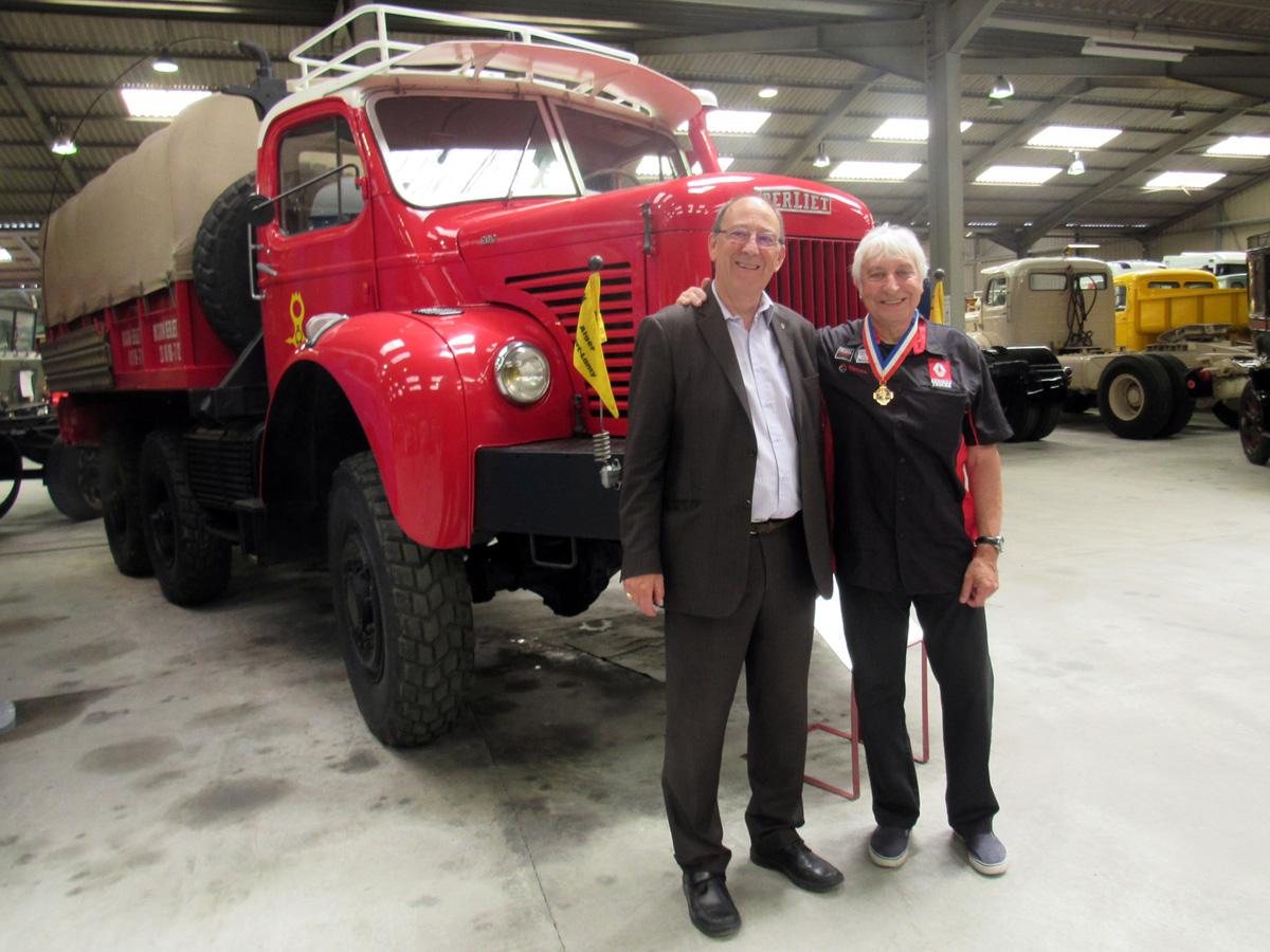 a10 juin 2017 Alain Lascoutounax avec Dominique Pasinetti MOF design de Renault Trucks IMG_0733